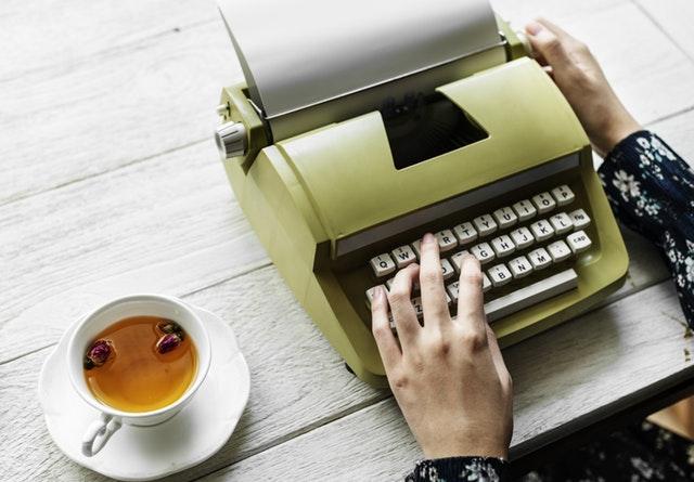 escritores famosos autopublicacion
