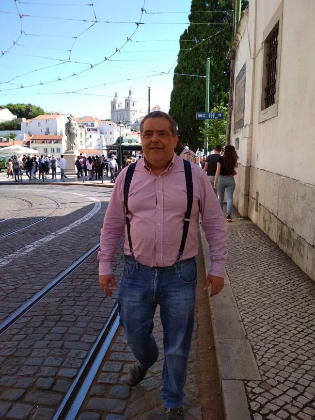 """Entrevista a Lorenzo Hervas, poeta y autor de """"Y siempre volveré"""""""