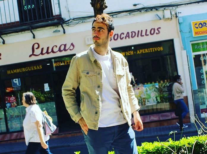 """Jesús Torres Mudoy autor del libro """"Lazos del alma"""""""
