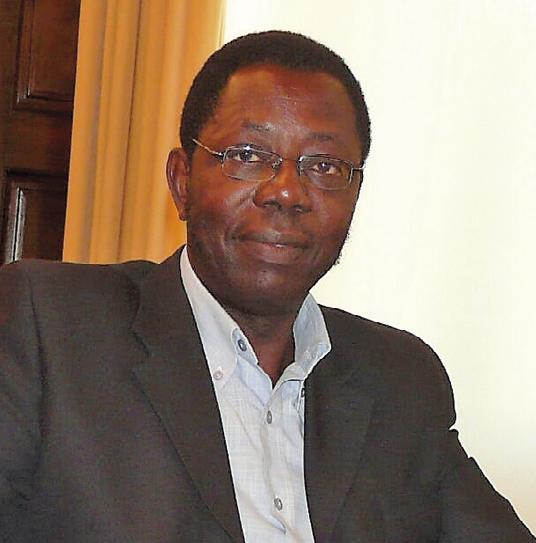 Adeniji Akinfenwa, autor libro